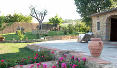 Gala Evenings in the tuscan holiday house with pool and garden near florence and siena