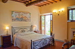 8 Rooms in the villa with pool to rent: 20 sleeping bed